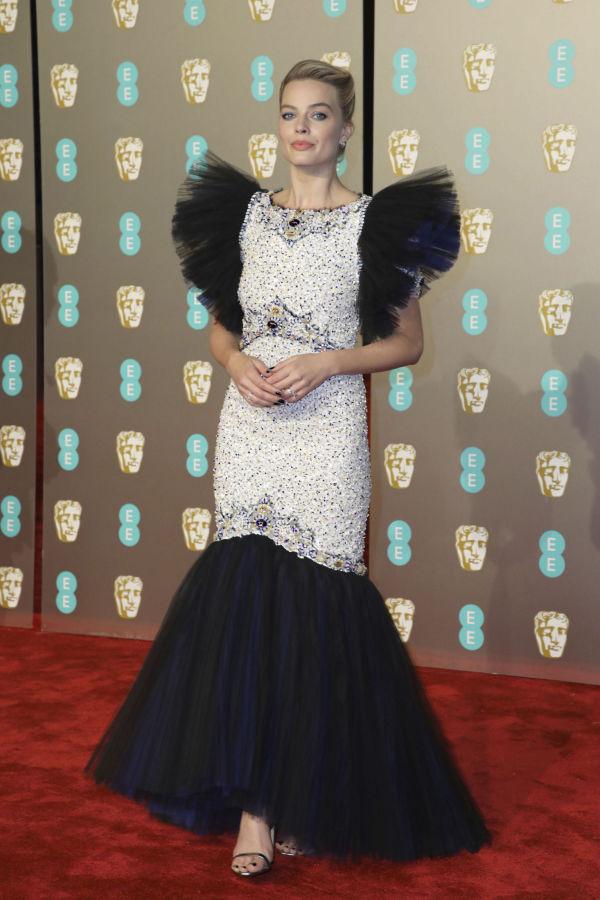 f5396a38 EKSTRAVAGANT: Skuespiller Margot Robbie i kjole fra Chanel. Kjolen er  omdiskutert i sosiale medier