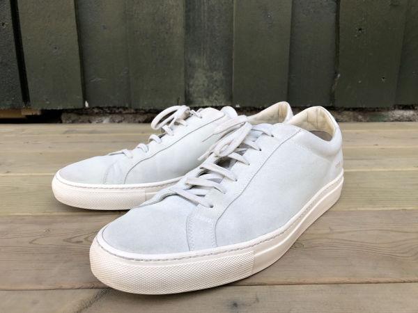 f46cc52a FERDIG: Et par nyvaskede sko, fortsatt våte. Skoene fremstår riktignok litt  mørkere enn