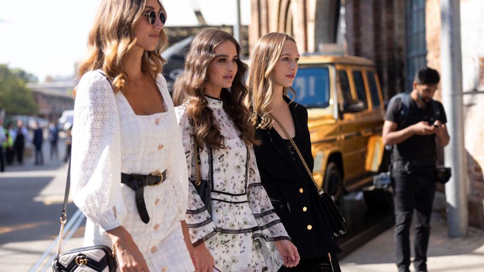 2982d4da SOMMER: Babydoll-kjoler, sykkelshorts og store solbriller er blant de  største trendene denne