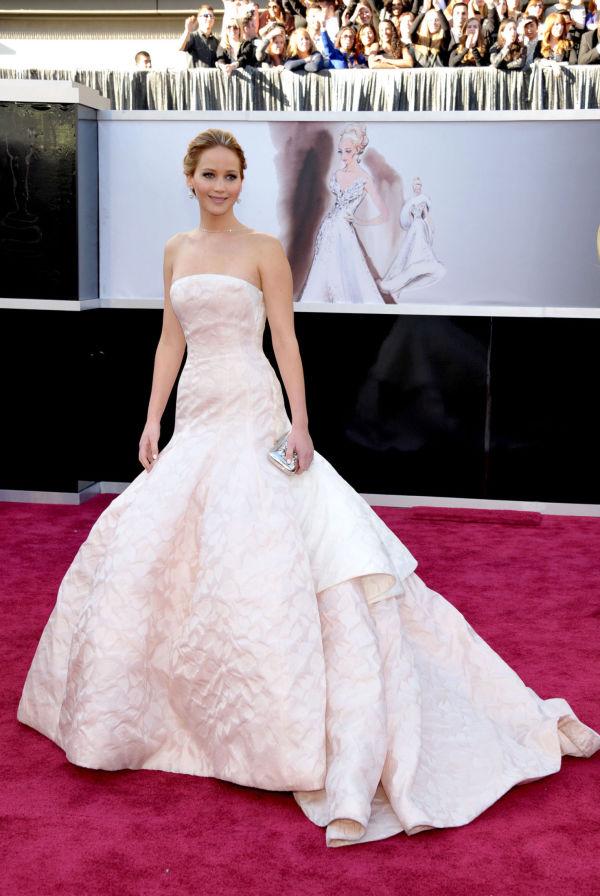 Jennifer Lawrence er det nye ansigt for Dior Addict | ELLE